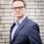 Radziejewski dla Faktu: Rząd musi skończyć z wojną zastępczą