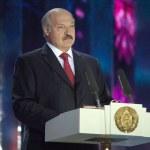 Łukaszenka jest dla naszych elit gigantycznym moherowym beretem